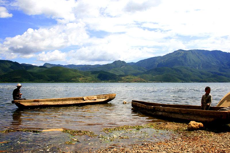 云南湖泊.jpg