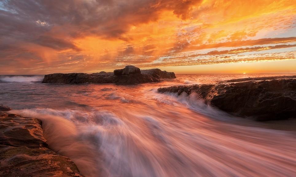 美丽的海岸日出.jpg